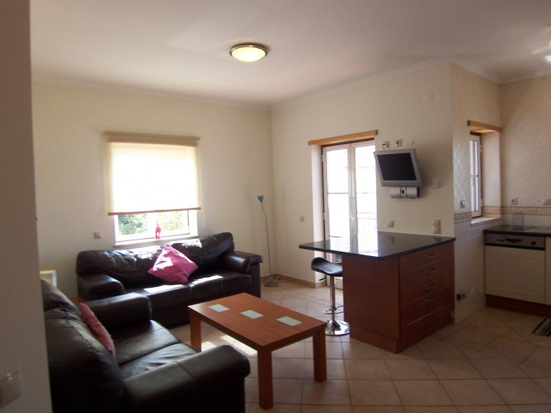 Fantastic 2 bed apartment for ANNUAL rental!