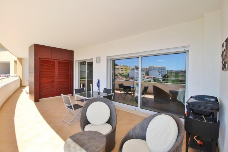 Modern 2 bedroom annual rental available from January!