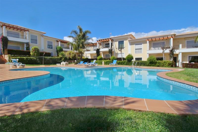 Porto de Mos 3 Bed Apartment! Annual Rental Available Immediately!