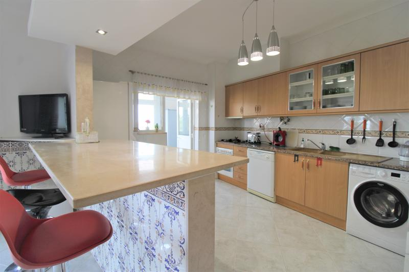 Lovely 2 Bed Apartment! Available Immediately!